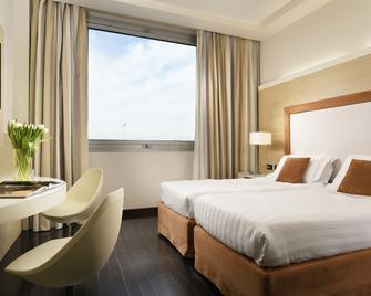 Hotel La Favorita - Mantova - Bedroom