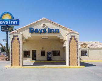 Days Inn by Wyndham Kingman West - Kingman - Edificio