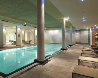 Hyllit Hotel - Antwerpen - Pool