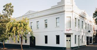 Naughtons Hotel - Melbourne