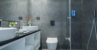 Brown Seaside by Brown Hotels - Tel Aviv - Bathroom