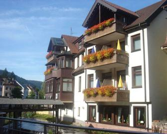 Hotel Sonne - Bad Wildbad - Building
