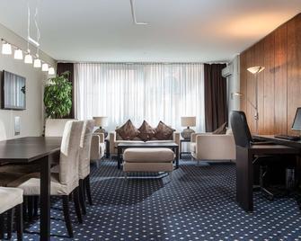 Best Western Hotel Frankfurt Airport Neu-Isenburg - Neu Isenburg - Obývací pokoj