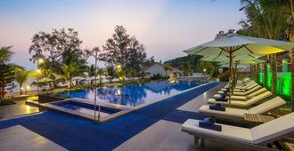 Sea Sense Resort - ฟูก๊วก - สระว่ายน้ำ