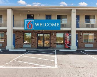 Motel 6 Youngstown, OH - Youngstown - Edificio