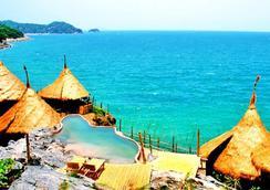Paree Hut Resort Koh Sichang - Chonburi