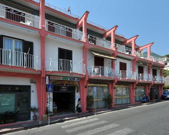 Hotel Europa - Minori - Gebouw