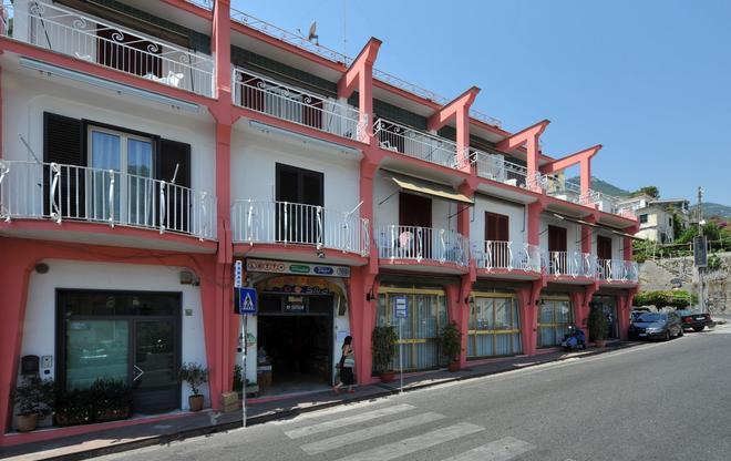 Hotel Europa - Minori - Building