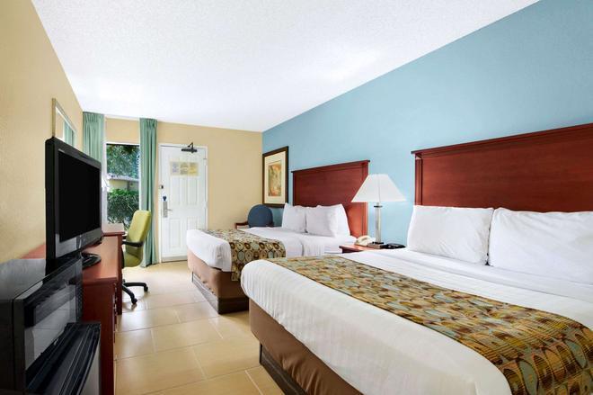 基因斯維爾貝蒙特套房酒店 - 蓋斯維爾 - 蓋恩斯維爾(佛羅里達州) - 臥室