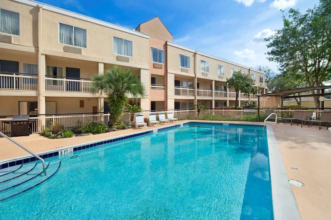 基因斯維爾貝蒙特套房酒店 - 蓋斯維爾 - 蓋恩斯維爾(佛羅里達州) - 游泳池