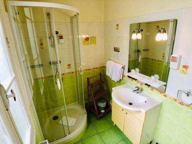 Citotel Le Volney - Saumur - Bathroom