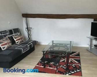 Famille Sabljak - Fontenay-Trésigny - Living room