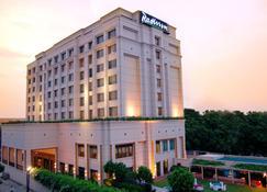 Radisson Hotel Varanasi - Vārānasi - Building