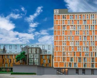Iveria Inn Hotel - Tbilisi - Building