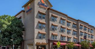 Comfort Suites Visalia Convention Center - Visalia
