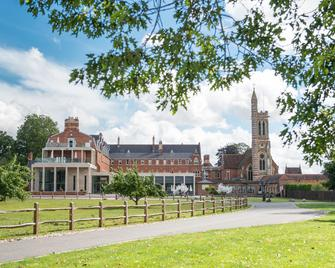 Stanbrook Abbey - Worcester - Building