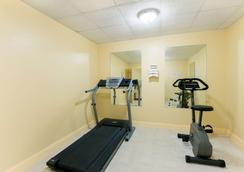 Days Inn by Wyndham Philadelphia - Roosevelt Boulevard - Philadelphia - Gym