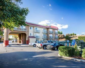 Econo Lodge - Tracy - Edificio