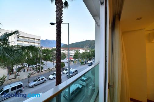 Yeniceri City Hotel - Μάκρη - Μπαλκόνι