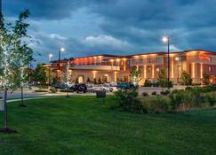 Hilton Garden Inn Milwaukee Airport - Milwaukee - Bina