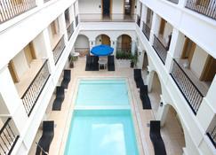 Boracay Sands Hotel - Boracay - Zwembad