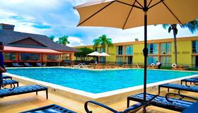 Floridian Express Extended Stay Hotel - Orlando - Piscina