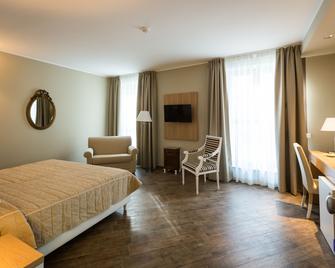 Hotel Monteverde - Bistagno - Bedroom