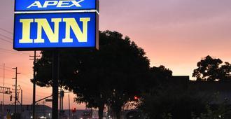Apex Inn - Modesto - Θέα στην ύπαιθρο