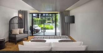 X2 Chiang Mai Riverside Resort - Chiang Mai - Yatak Odası