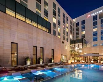 Odessa Marriott Hotel & Conference Center - Odessa - Gebäude