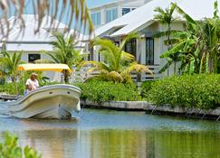 Mahogany Bay Resort & Beach Club, Curio Collection by Hilton - San Pedro Town - Vista del exterior