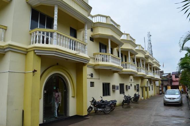 Hotel Rk Palace - Pākaur - Building