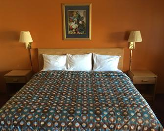 Cinderella Motel - Wasco - Bedroom