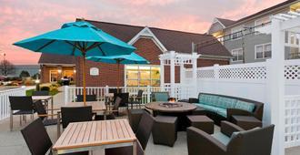 Residence Inn by Marriott Peoria - Peoria - Patio