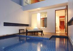 La Flora Resort Patong - Bãi biển Patong - Bể bơi