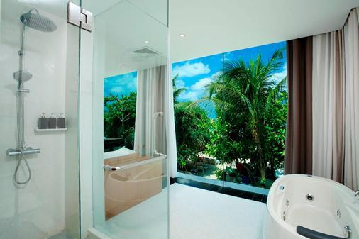 La Flora Resort Patong - Bãi biển Patong - Phòng tắm