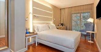 NH Barcelona Les Corts - Barcelona - Bedroom