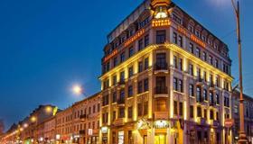 Panorama Lviv Hotel - Lviv - Κτίριο