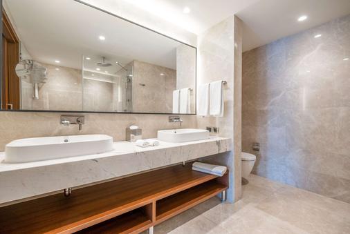 Clarion Hotel Golden Horn - Istanbul - Bathroom