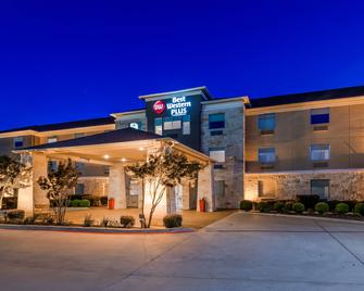 Best Western Plus Killeen/Fort Hood Hotel & Suites - Кіллін - Building