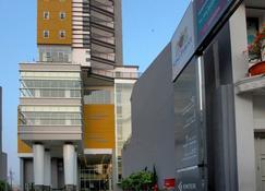 Gino Feruci Braga - Bandung - Edificio