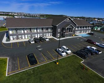 Crossroads Inn & Suites - Сент-Джонс - Building