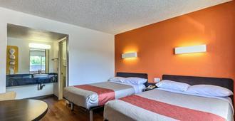 Motel 6 Pleasanton - Pleasanton - Bedroom