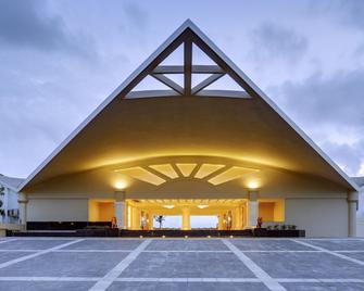 Sterling Puri - Puri - Building