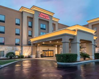 Hampton Inn and Suites Selma-San Antonio-Randolph AFB Texas - Selma - Building