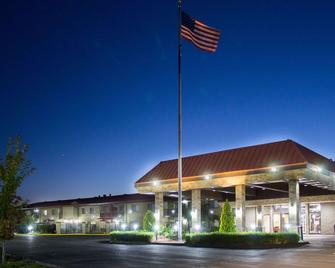 Best Western Plus Lake Front Hotel - Moses Lake - Building