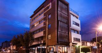 Az Hotel - Bogotá - Building