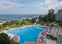 Hotel Cleopatra - Saturn - Pool