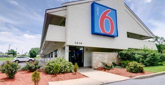 Motel 6 Kansas City - Kansas City - Gebäude