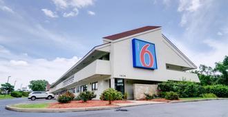 密蘇里堪薩斯城6 號汽車旅館 - 堪薩斯市 - 堪薩斯城 - 建築